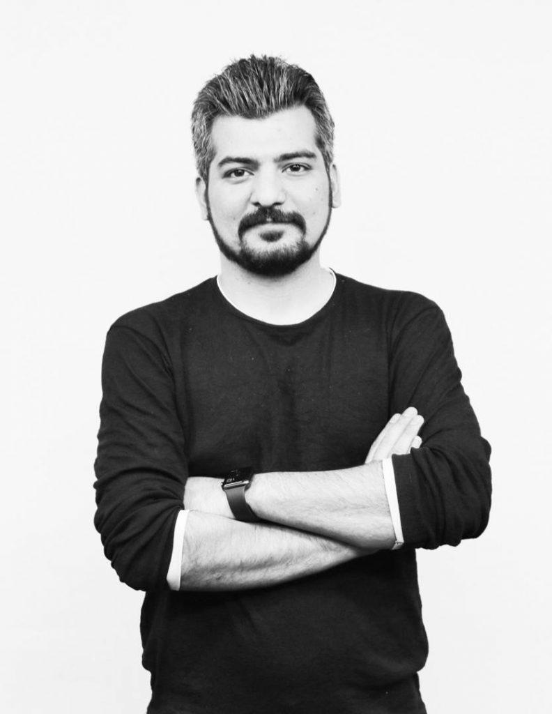امین متین مجری و تهیه کننده پادکست ساعت صفر